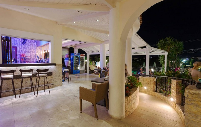 Ostria Luxury Villa Outdoor